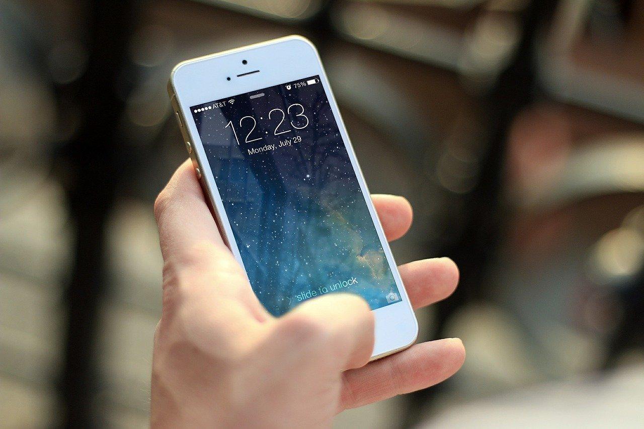 10 užitočných hackov pre smart život smobilným telefónom